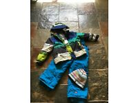 Unisex kids ski clothing