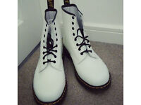 BRAND NEW DR. MARTENS! SIZE 10