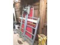 Vertical saw