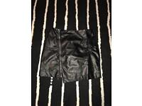 MISSGUIDED BLACK FAUX LEATHER SKIRT s/12