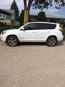 2010 Toyota RAV4 SUV WHITE GENTLY DRIVEN LOW KMS