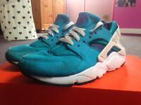 Nike Air Huarache, Size 5