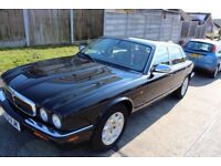 Jaguar XJ8 Executive Beautiful Modern Classic!