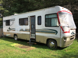 PRICE REDUCED 1999 Ford Windsport Motorhome