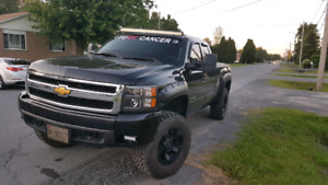 2007.5 lifted chevy