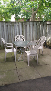 Patio set 4x chairs and table