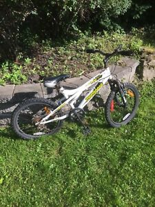 Velo mountain bike enfant 3-8 ans