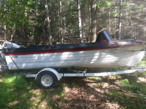 Boat for sale trailer and running motor