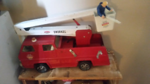 Vintage large red tonka firetruck