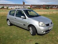 Renault Clio 1.2 extreme with only 34000 miles!motd