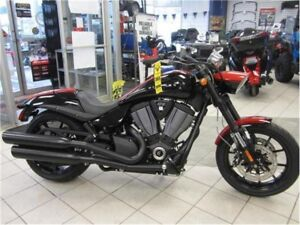 2016 Victory Motorcycles Hammer S Black w/Red Racing Stripes