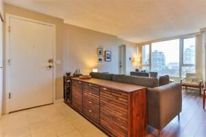 Downtown Vancouver 3 Bedroom Apartment