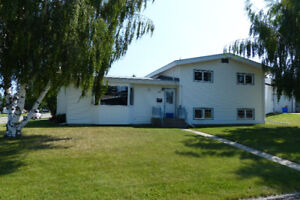 Well maintained 4 Bedroom in Tremblay w/shop