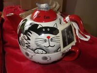 Cat themed teapot half with integrated cup NEW