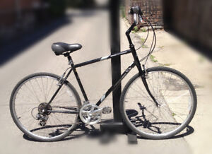 KHS Brentwood 21in Hybrid Bicycle