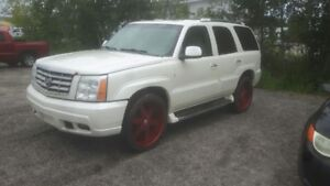 2002 Cadillac Escalade on 24's need gone