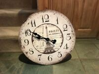 Large wall clock in great condition