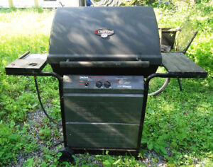 Char-Broil Masterflame BBQ pro grill