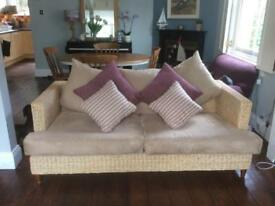 Lovely whicker sofa £80 for quick sale