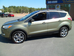 2013 Ford Escape 4wd Sel.  Leather Navigation