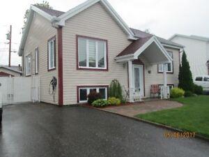 jolie maison avec garage