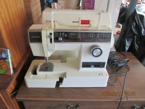 Singer 6235 Sewing Machine and Desk