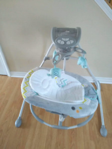 Ingenuity baby swing (battery operated)
