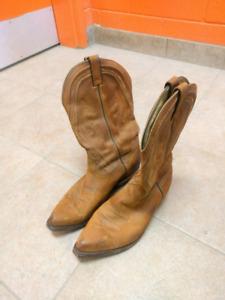 Brown Boulet cowboy boots