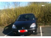 Black Renault Clio 2004 Great runner First Car