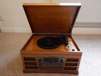 Wooden retro style turntable