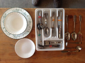 Dining Utensils, Bowl, Plate and Cup set - great condition