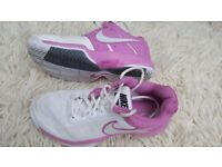 NIKE indoor girls UK 2 TRAINERS Shoes for Squash Badminton