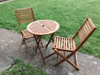 Wooden garden table + 2 folding chairs