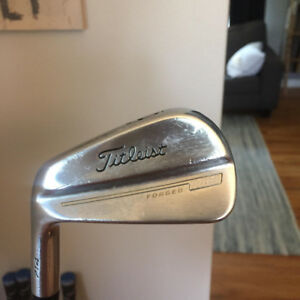 Left-Handed Titleist 714 MB Irons