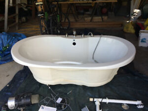 Air Bubble Bath Tub Price Reduced