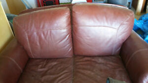 Jaymar high quality leather loveseat