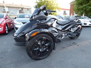 2012 BRP CAN-AM SPYDER RS (MANUELLE, 9,000 KM, REPRISE, WOW!!!)