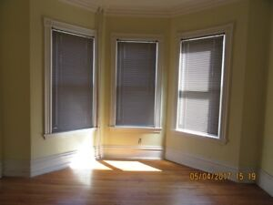 PET FRIENDLY- 4 BDROOM FLAT-SOUTH END HFX