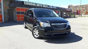 2012 Chrysler Town & Country Touring Stow-n-Go