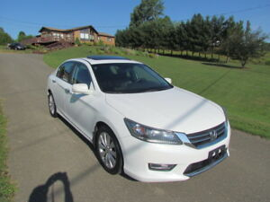 2013 Honda Accord EXL: LEATHER! SUNROOF! MINT CONDITION!