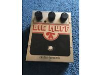 Electro Harmonix Big Muff Pi Distortion Fuzz effect pedal