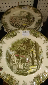 Friendly village Banquet plates (not dinner) 12 to collect
