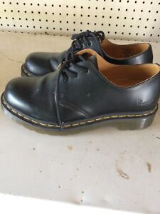 Women's Dr. Martens Shoes