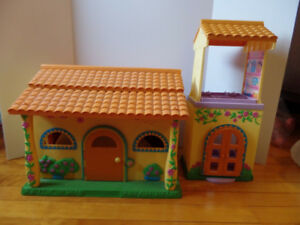 Dora Talking House with accessories