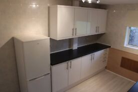 Spacious 2 bed ground level flat, just refurbished!! off road parking, quiet location £475per month