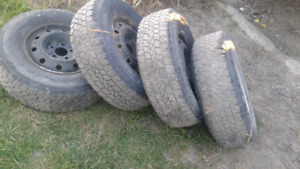 Tires and rims size number 215/75R15