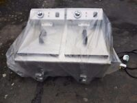 Electric chip fryer 10 litre double twin basket with drain taps As New - Only Used Twice