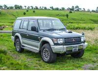 MITSUBISHI PAJERO 2.8 TURBO DIESEL LWB GREEN SILVER/GREY EXCELLENT CAR JDM 1995 CLASSIC