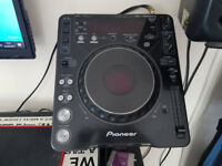 Pioneer 1000 mk2 Cdjs with flight cases, stands and leads.