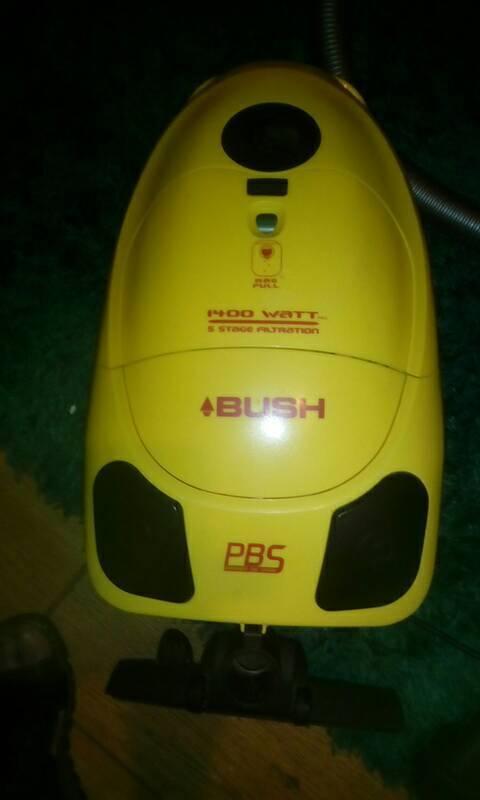 Bush cylinder reusable bag vacuum cleaner